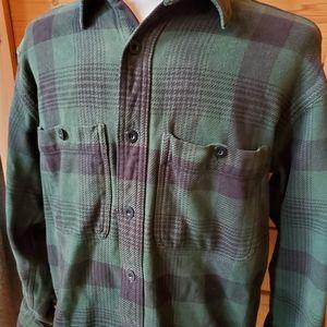 Cabelas Green & Black Plaid Button Down Shirt SZ M